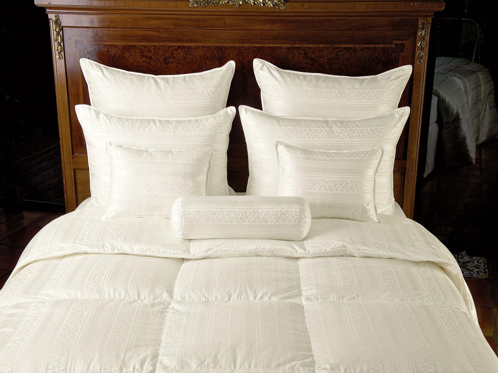 Comforters_Damask_2063_new.jpg