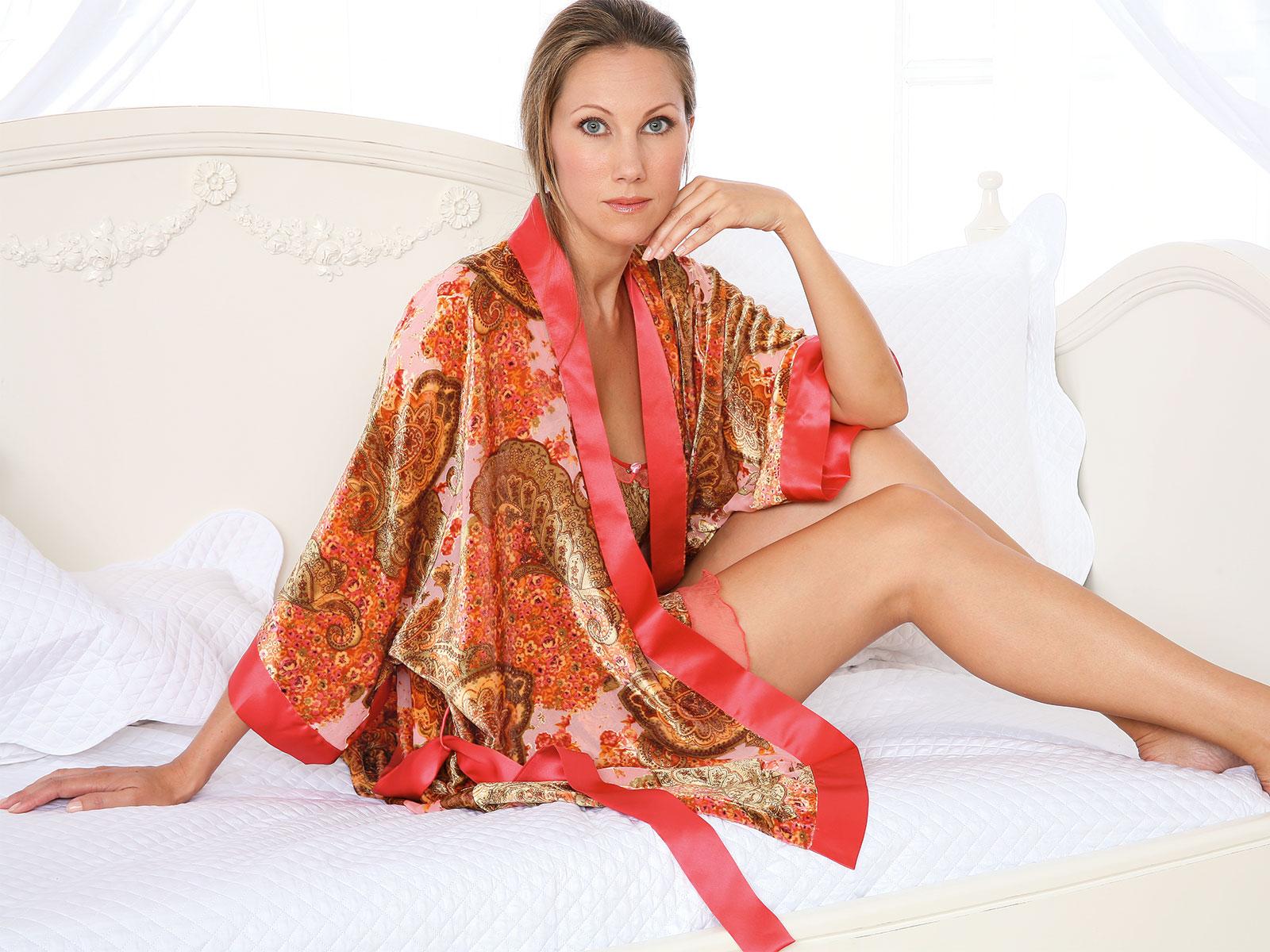 Dara_Kimono.jpg