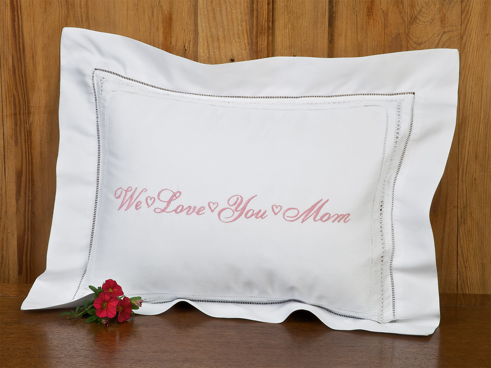 LoveUMom_Pillow_1107.jpg