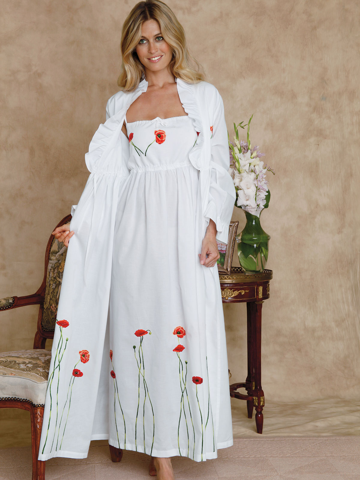 Poppies_Gwn_Robe_0422.jpg