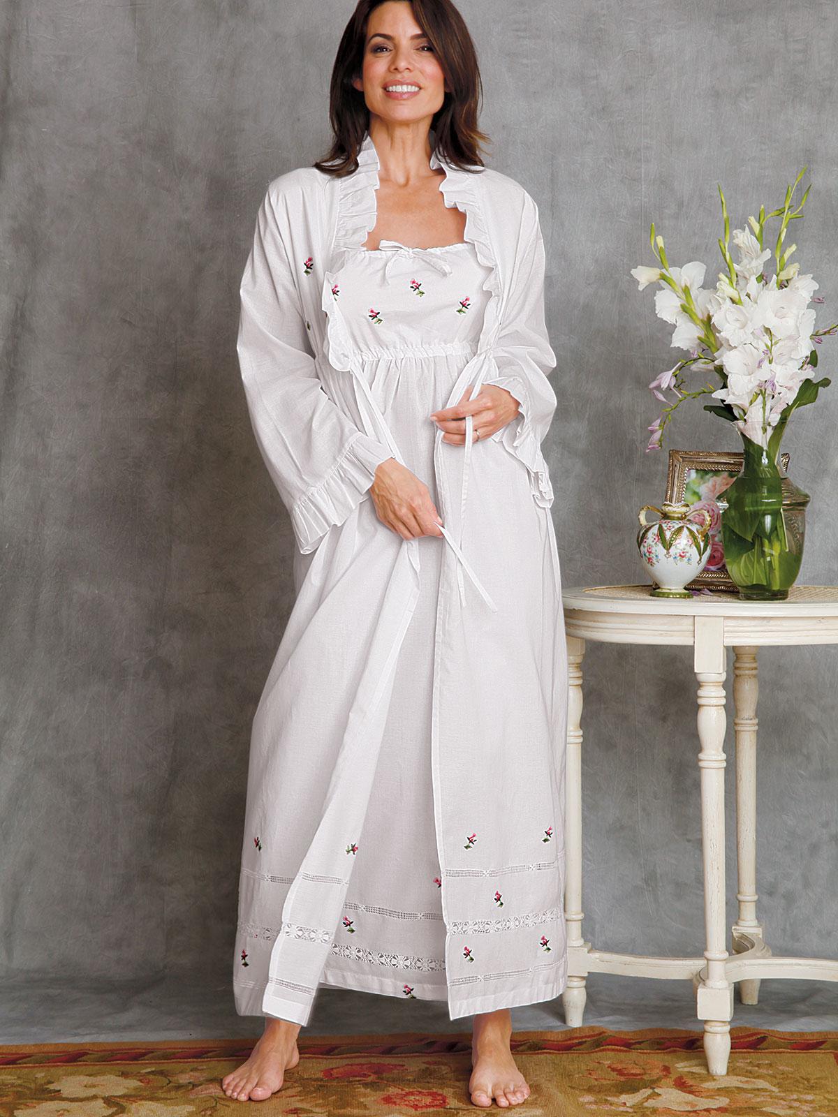 Rosebuds Nightwear