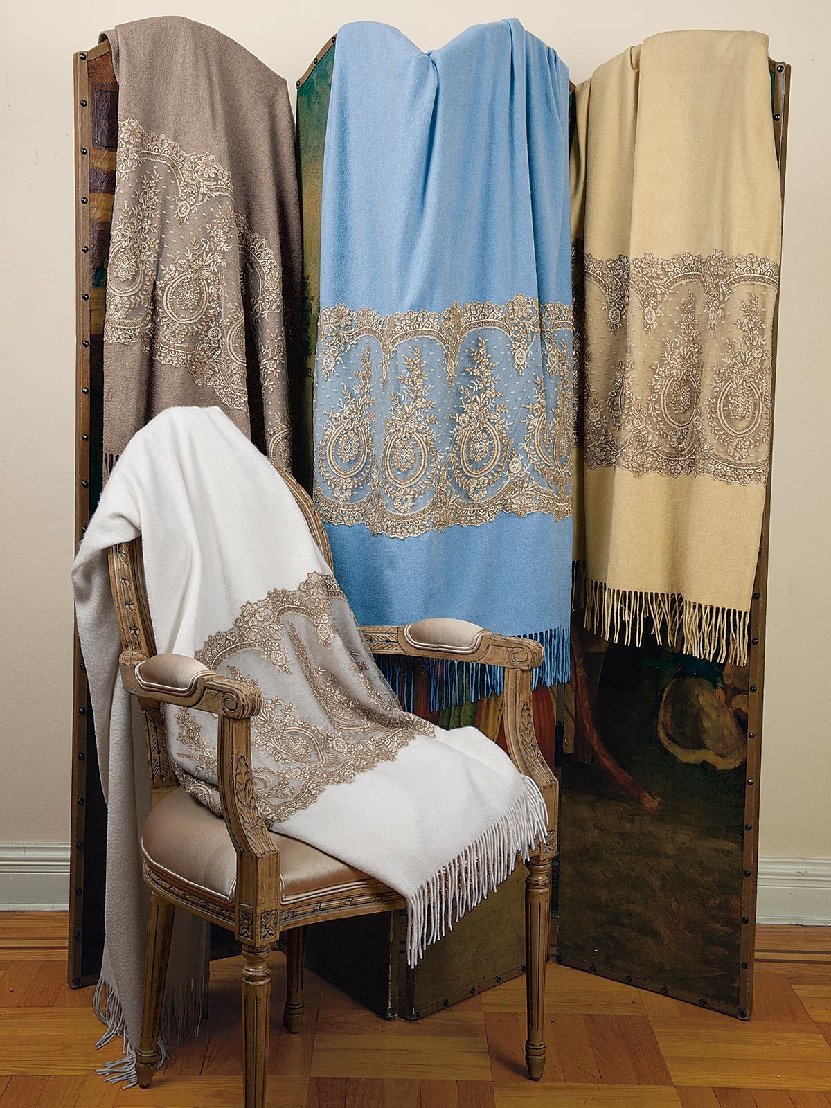 Cashmere&Lace_Throw_1978.jpg