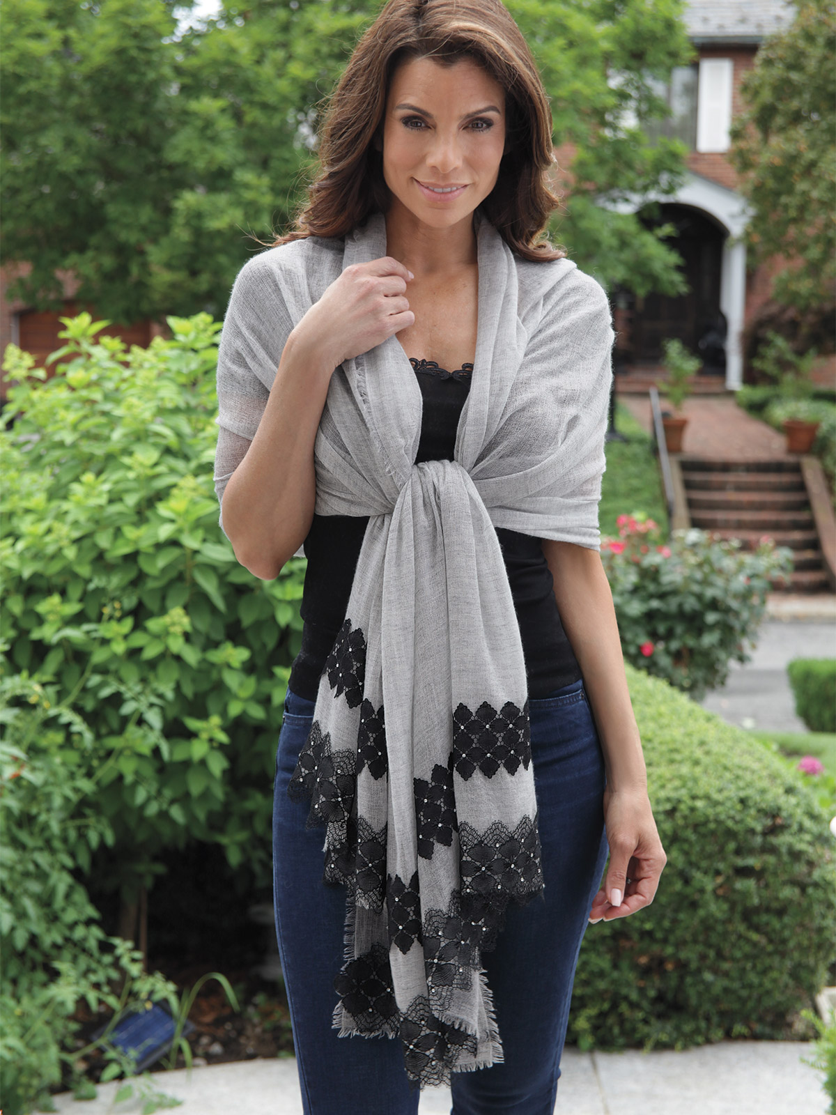 Michelle_Shawl_Gray_0695.jpg