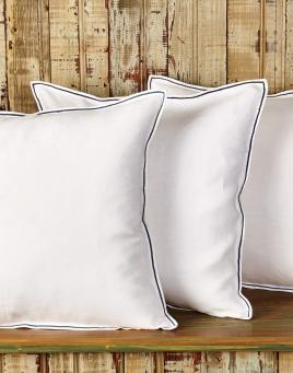 Moi Toi Decorative Pillows