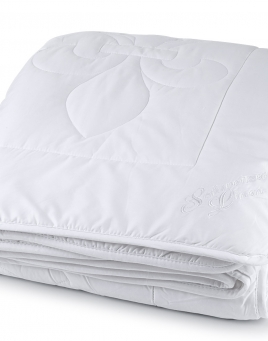Washable Wool-Filled Comforter