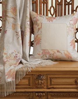 Dauphiné Throw & Pillow