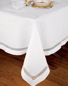 Charmant Chateau Blanc Table Cloth