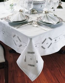Royale Tablecloths