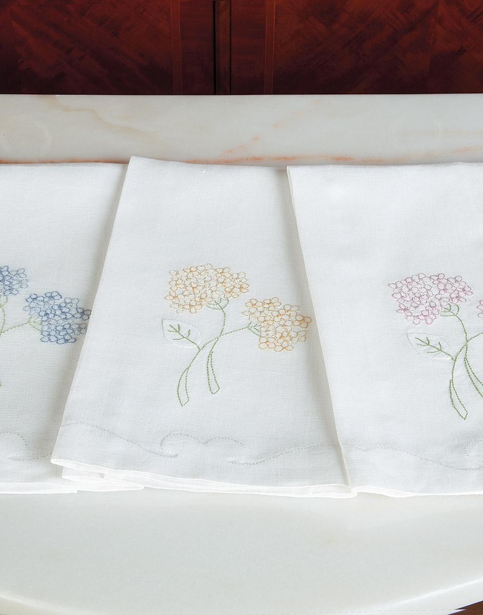 Hydrangea Blossoms Linen Guest Towels