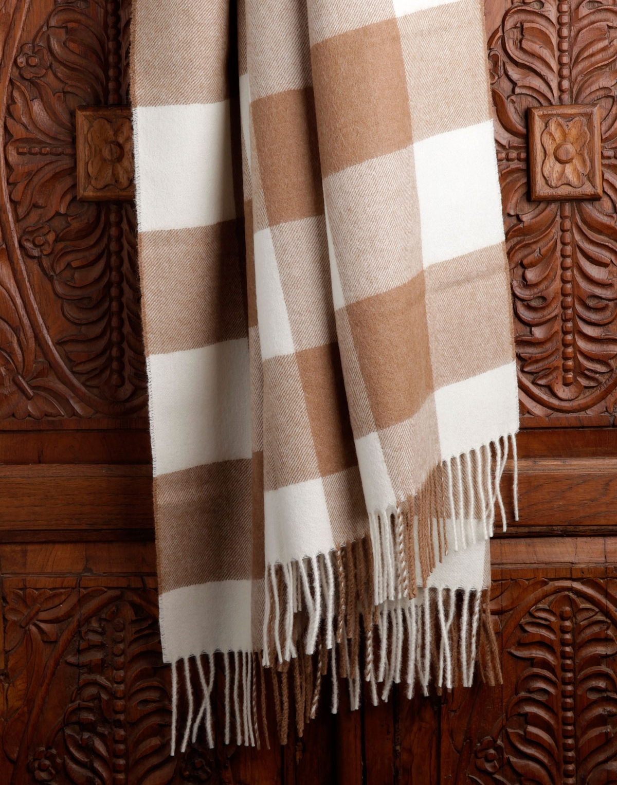 Lucca Alpaca Throw
